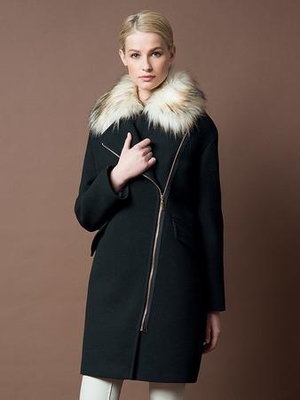 Впервые в России  пальто с подогревом   Модные новости   Intermoda ... 315ed35701c