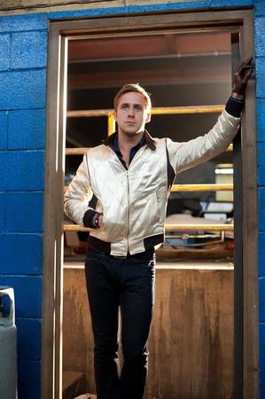 """Мужским вариантом такой куртки можно полюбоваться, например, в """"Драйве"""""""