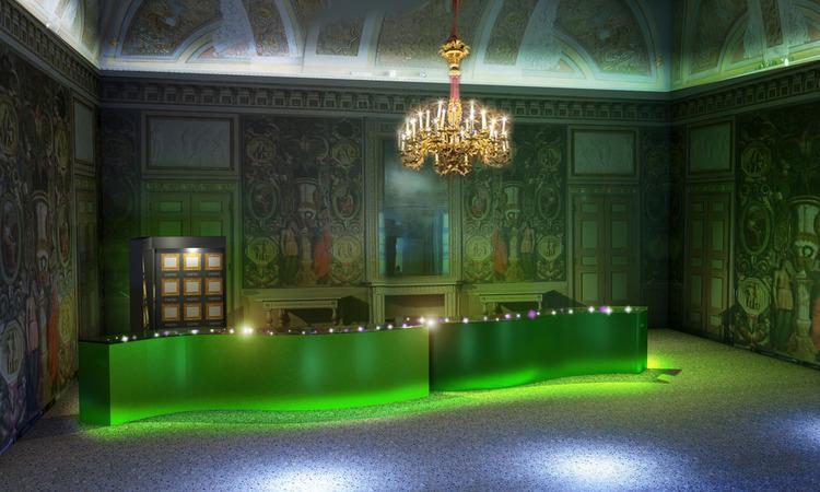 В Милане можно посетить выставку украшений Van Cleef & Arpels