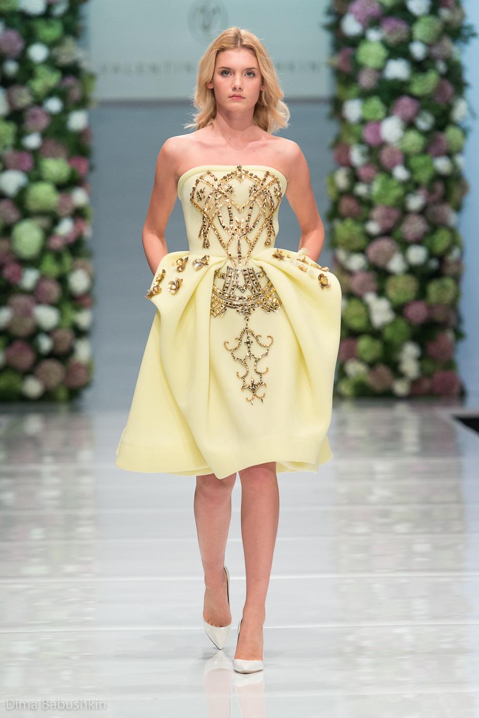 Модные платья от в. юдашкина