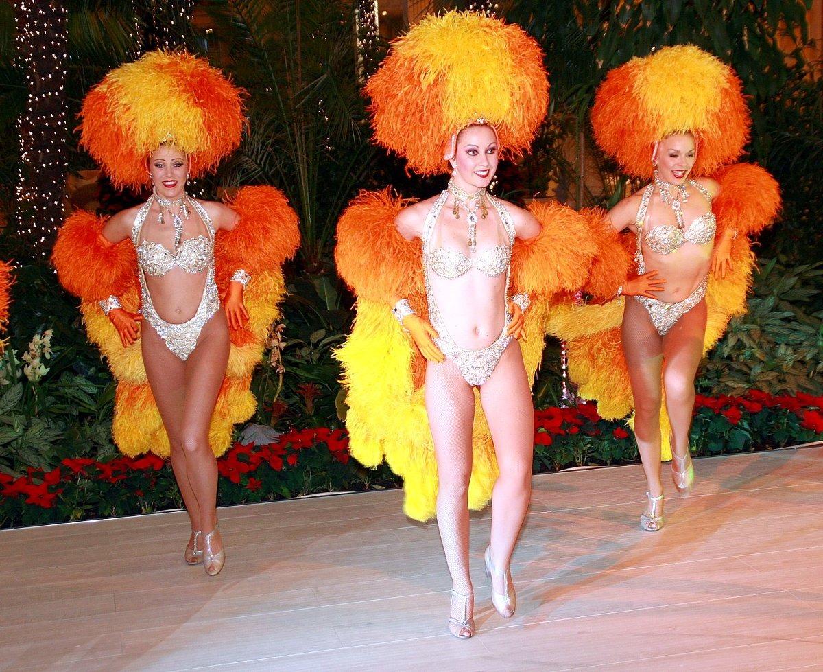 Секс шоу с голыми ведущими, Голое ТВ Каталог эротического видео 6 фотография