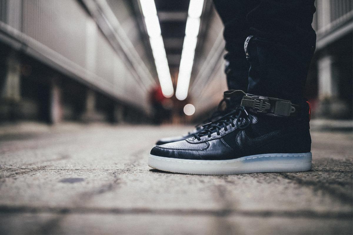 uk availability 2afbd bc6e2 Как показывает рейтинг, самым популярным брендом, выпускающим обувь, в этом  году в России стала марка Nike. Свои голоса за кроссовки отдали 20,3  процента ...
