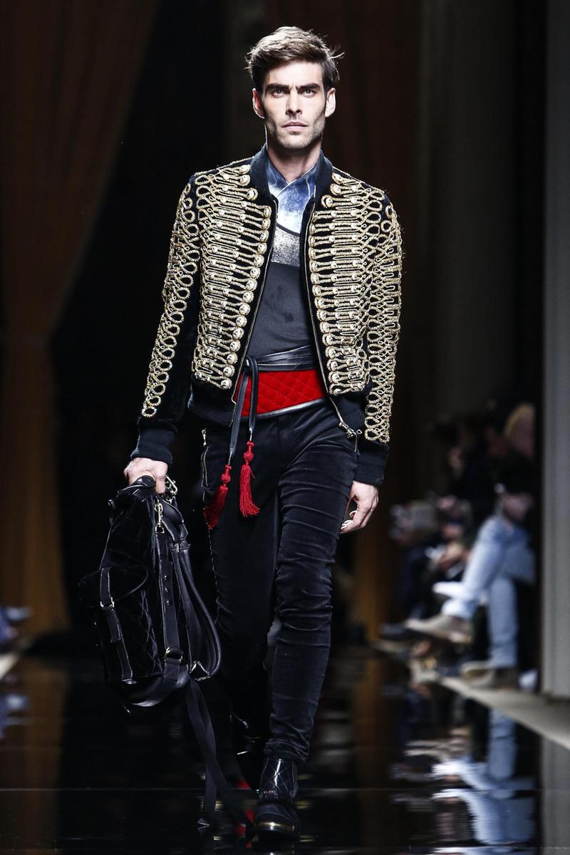 633f0a738ee Неделя мужской моды в Париже  Balmain. Осень-зима