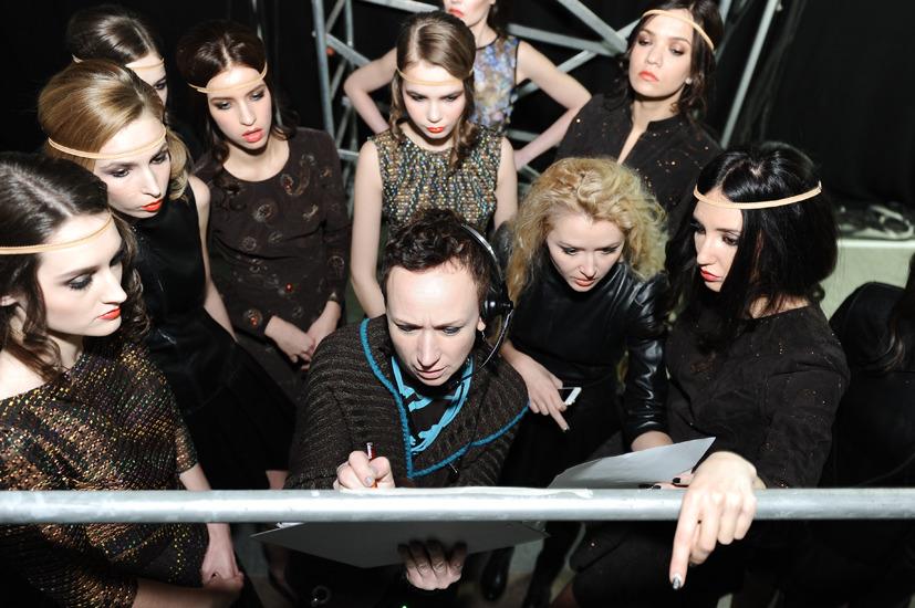 fe7df53de3cf Дизайнер ELEONORA AMOSOVA представила новую коллекцию эксклюзивной одежды  из кожи