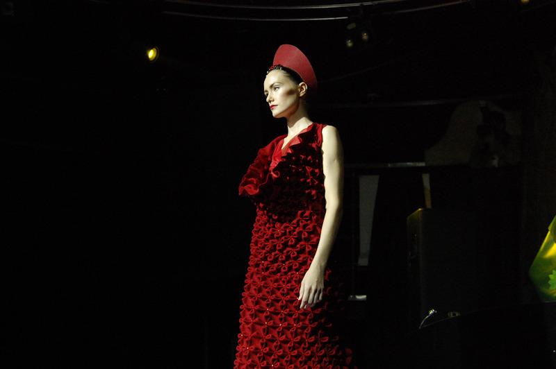 Перьм конкурс красное платье