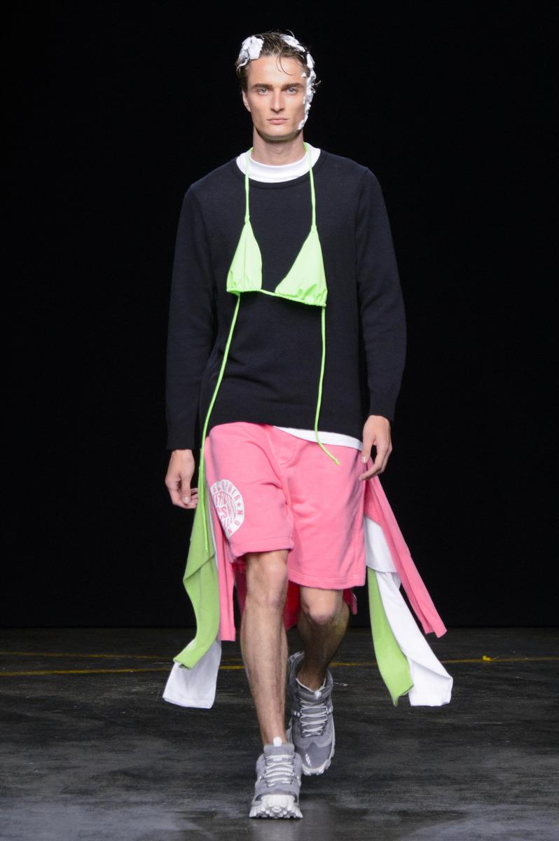 bf7a9ab792e Неделя мужской моды в Лондоне  Шоу Christopher Shannon. Весна-лето ...