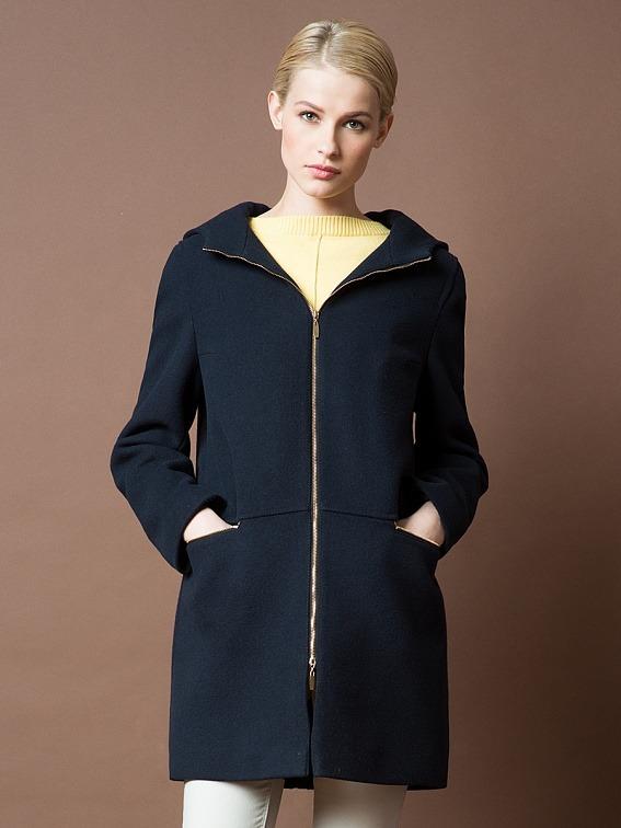 Впервые в России  пальто с подогревом   Модные новости   Intermoda.Ru - новости  мировой индустрии моды и России 70fd67739e2