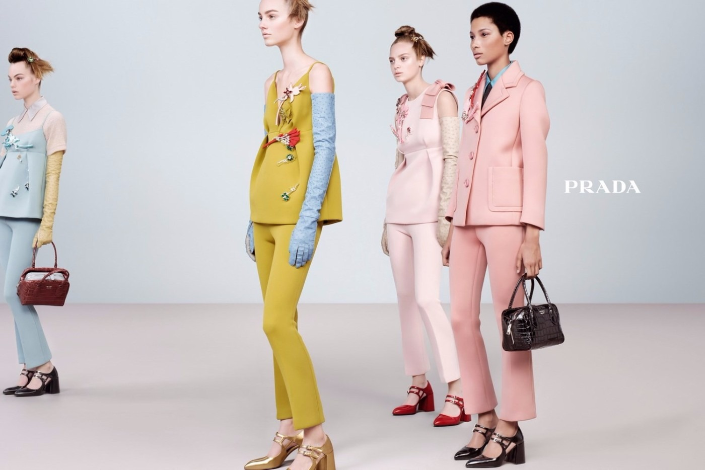 54c56210c8e0 Сладкая и ироничная реклама Prada. Осень-зима, 2015 16   ApollonBezobrazov    Intermoda.Ru - новости мировой индустрии моды и России