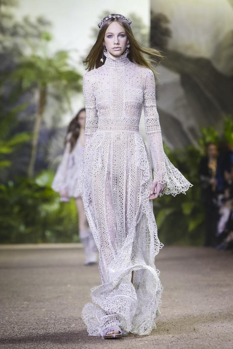 Неделя Высокой моды  Elie Saab. Весна-лето, 2016   Intermoda.Ru - новости  мировой индустрии моды и России 72f61105947