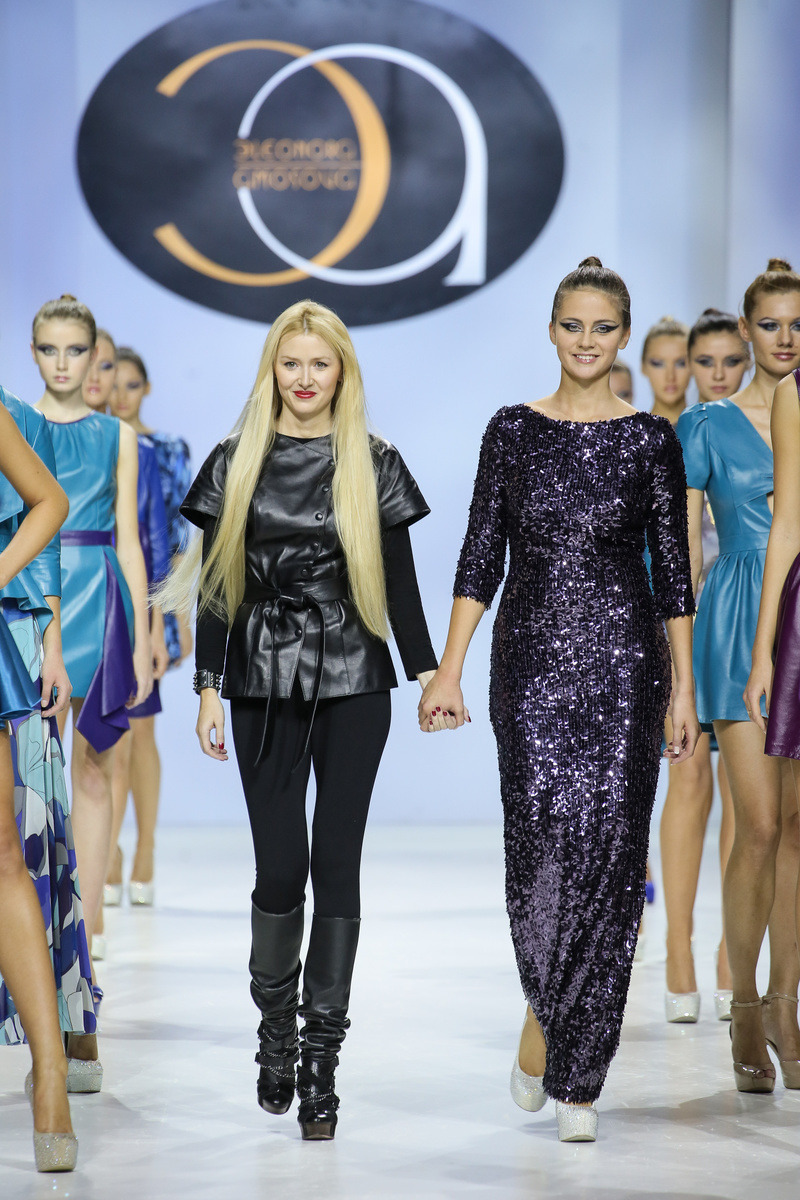 8700045c0959 2 ноября дизайнер бренда ELEONORA AMOSOVA представила публике новую  коллекцию эксклюзивной одежды из натуральной кожи «CRYSTALS» сезона  весна-лето 2014.