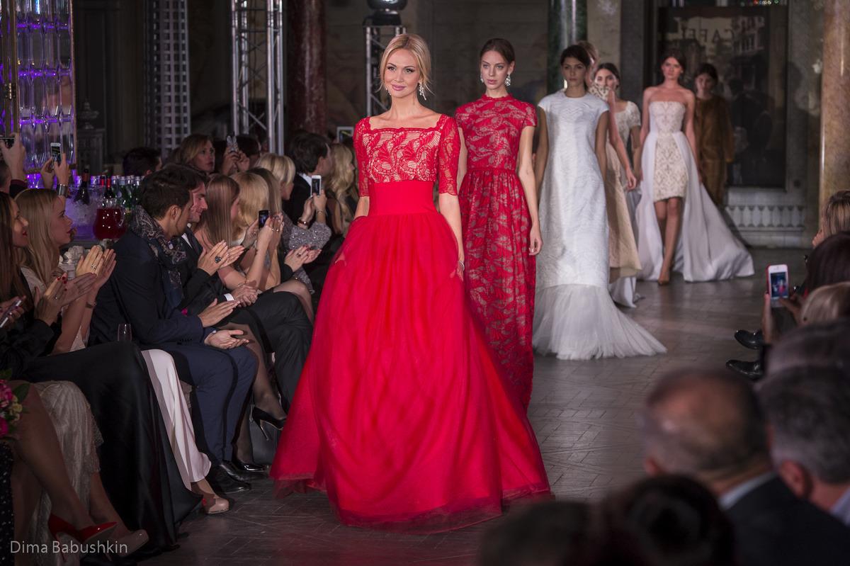 57497777e703 7 октября состоялся показ новой коллекции мехового дома моды IZETA Haute  Couture 2014.