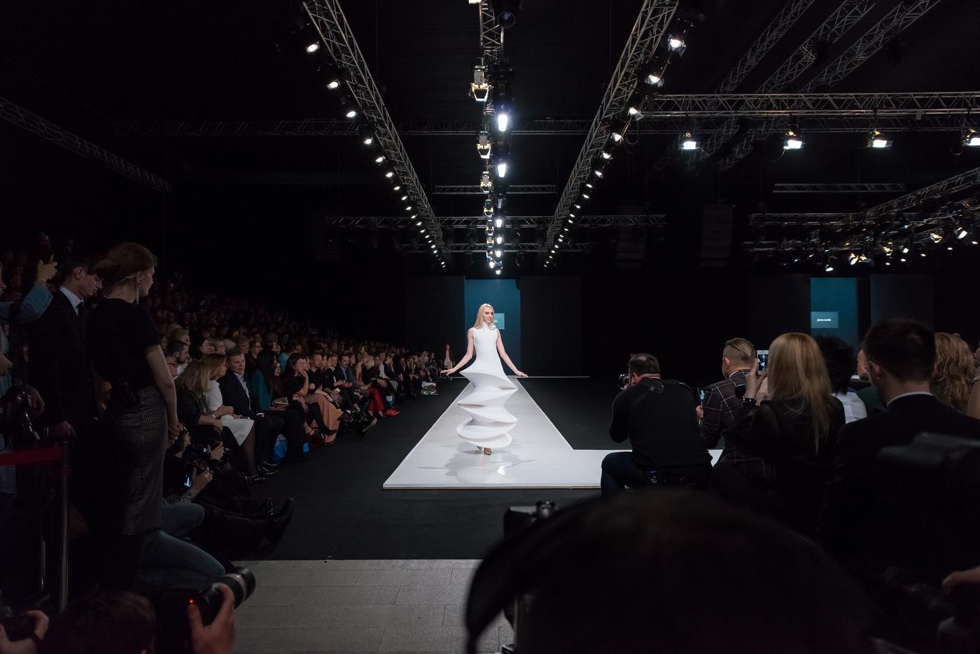 Неделя моды в Москве откроется показом Валентина Юдашкина и ретроспективой Пьера Кардена