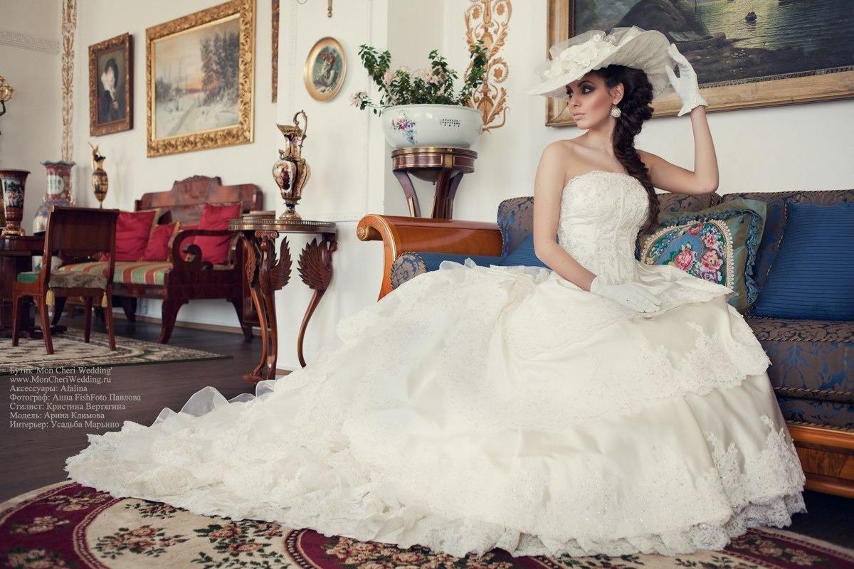 Свадебные платья и аксессуары, мужские костюмы, вечерние и детские платья, профессиональный фотограф на любое мероприятие, свадебные фото-книги и выпускные