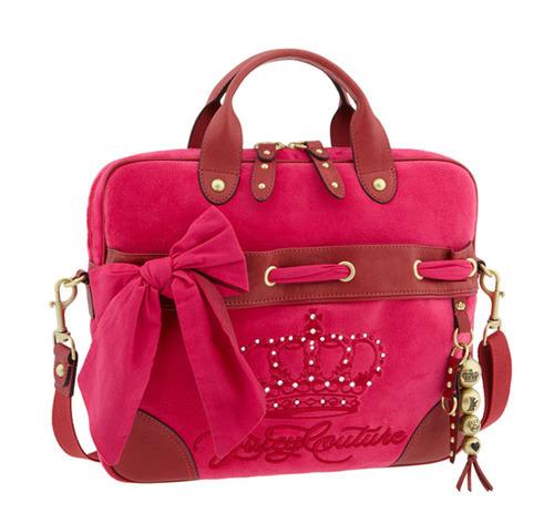 8e8aa94115b5 Если вы – умница и красавица, то вам, разумеется, не обойтись без стильной  сумки для ноутбука. Juicy Couture предлагает именно такую сумку – яркую и  ...