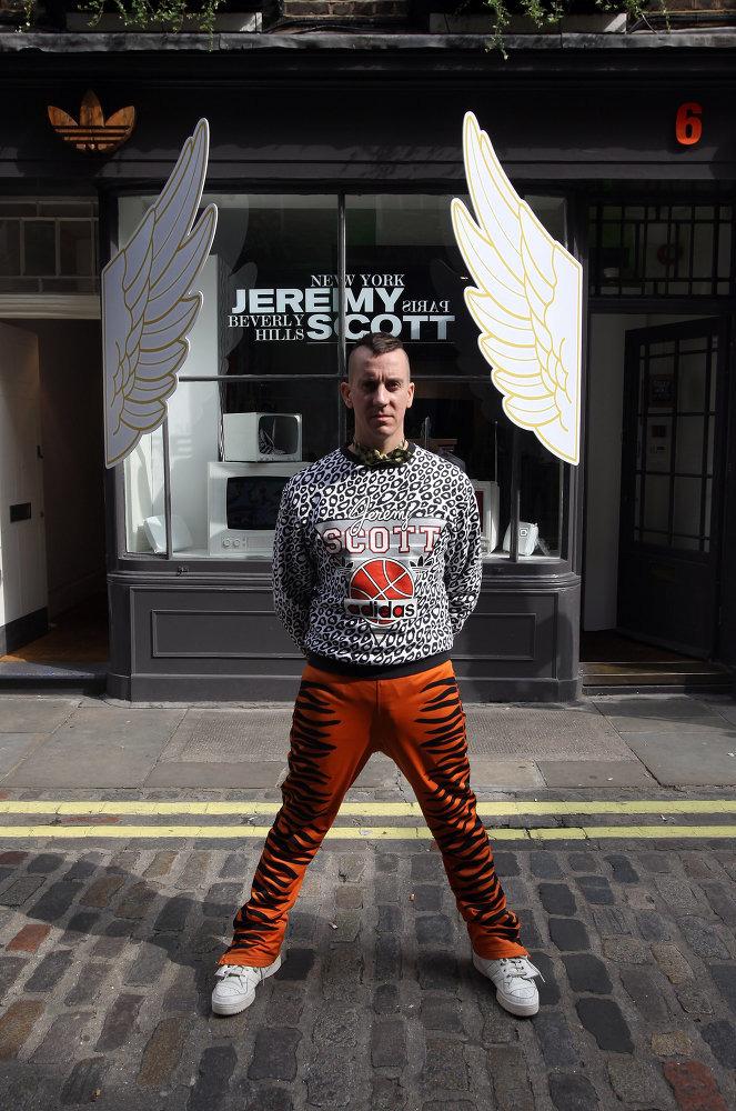 В Лондоне открывается Pop Up магазин коллекции Джереми Скотта adidas  Originals by Originals 89754e18cb0