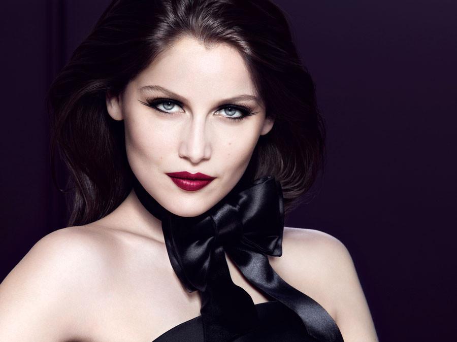 2d74bcd2e103 ... чувственности и магической энергетики, но и отражает ценности Nina  Ricci. В этом году Летиция Каста стала музой и лицом нового аромата Rose ...