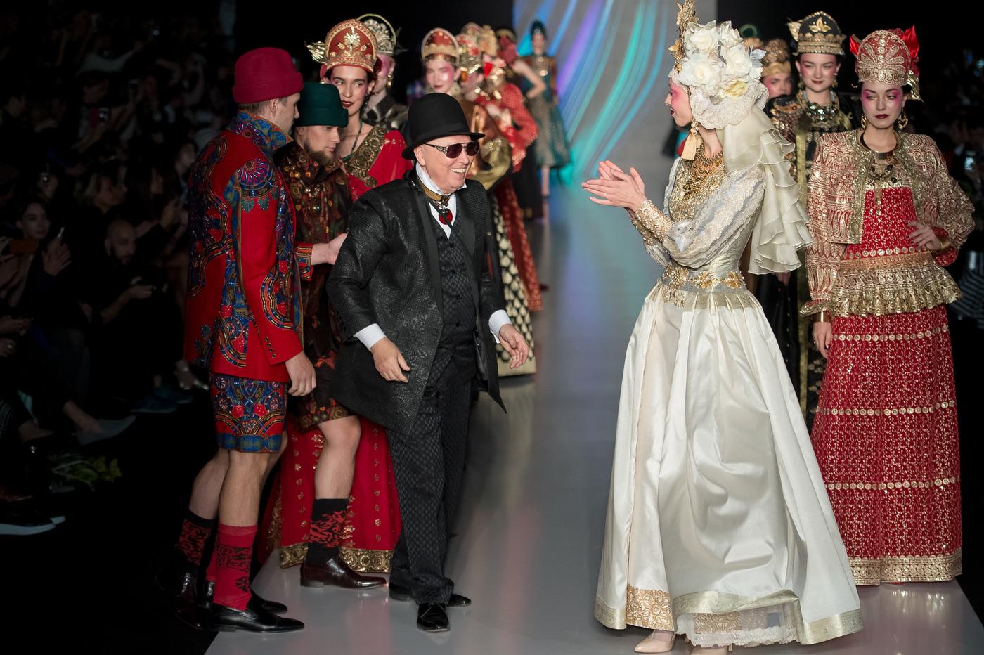 1849f18478b5 SLAVA ZAITSEV открыл Mercedes-Benz Fashion Week Russia сезона весна-лето  2017