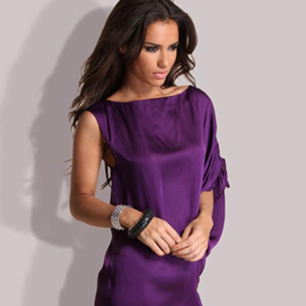 С чем носить фиолетовое платье.