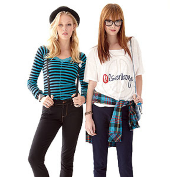 Модная одежда сестер