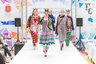 Екатерина Ребежа представила коллекцию «Блошиный рынок» на фестивале Губернский стиль 2017