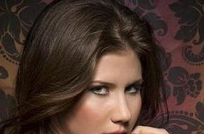 Очаровательная Анна Чапмен в корсете от Victoria Secret