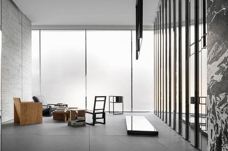 Дебютный дизайн Эди Слимана для магазина Celine