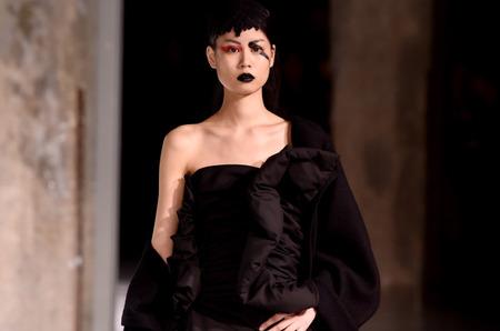 Неделя моды в Париже: Yohji Yamamoto. Осень, 2017