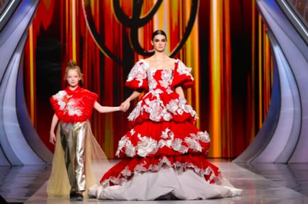 8 марта в Государственном Кремлевском Дворце состоялось традиционное праздничное шоу Валентина Юдашкина