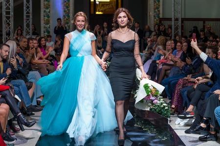 Дизайнер Smyr Madina представила коллекцию вечерних нарядов