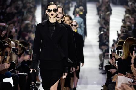Дом Dior перенес круизное шоу. Причина не нова