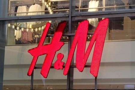 Во втором квартале продажи марки H&M сократились вдвое