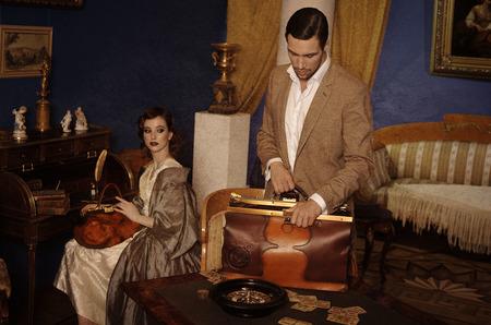 "Бренд Ante Kovac представил 2 новые коллекции сумок ""Хронос"" и ""Игроки""."