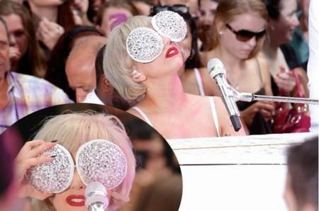 Маска из кристаллов для Леди Гага