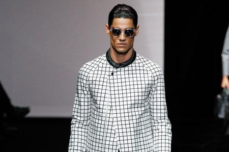 Неделя мужской моды в Милане. Emporio Armani, весна-лето 2015