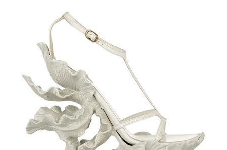 Сандалии-ирисы от Alexander McQueen