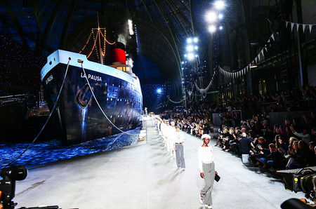 Круизная коллекция Chanel отправляется в Бангкок