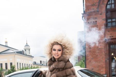 У Лены Лениной угнали автомобиль