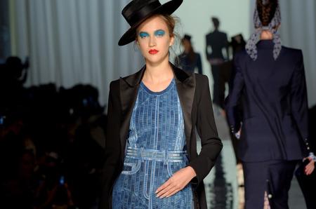 Неделя высокой моды: Jean Paul Gaultier. Весна, 2017