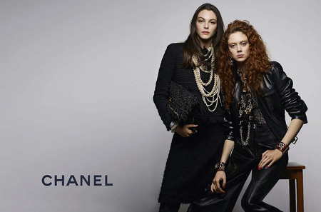Виттория Черетти и Натали Уэстлинг в рекламе Chanel. Pre-Fall, 2017