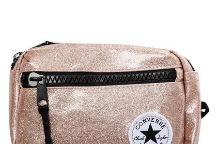 Новинки STREET BEAT KIDS: детские поясные сумки Converse