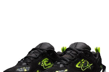 Новинки в STREET BEAT: женские кроссовки Nike M2K Tekno