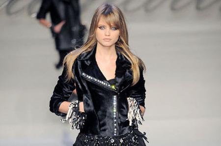 Коллекция одежды Blumarine Осень-зима 2010- 2011