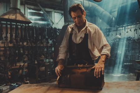 Актер Евгений Князев снялся в новой рекламной кампании бренда сумок Ante Kovac.