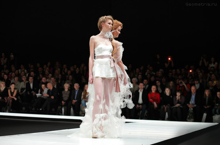 Показ  Diana Pavlovskaya на Mercedes-Benz Fashion Week