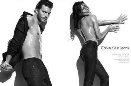 Calvin Klein Jeans и Calvin Klein Underwear объявили о старте рекламных кампаний сезона осень-зима 2009/2010 с участием Евы Мендес и Джейми Дорнана
