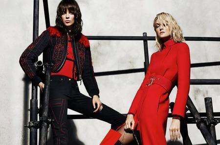 Карли Клосс и Лекси Болинг для Versace. Осень-зима 2015-16