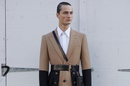 Неделя моды в Милане: Alexander McQueen. Осень, 2020