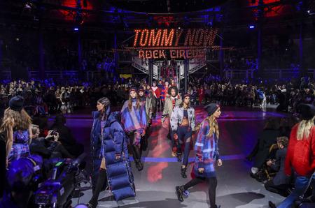 Неделя моды в Лондоне: Tommy Hilfiger. Осень-зима, 2017/18