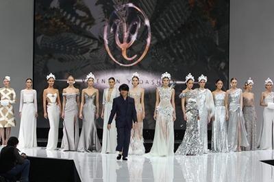 Валентин Юдашкин представил коллекцию сезона осень-зима/2013-2014