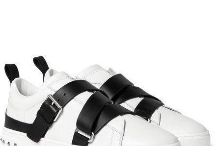 Что общего между стрепами, Valentino и кедами